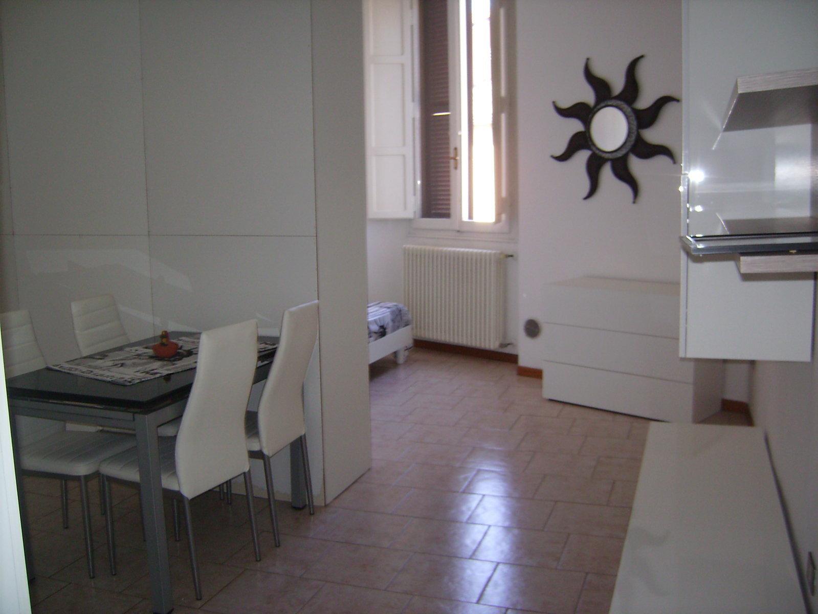 Monolocale arredato appartamenti e case in affitto e in for Monolocale arredato affitto