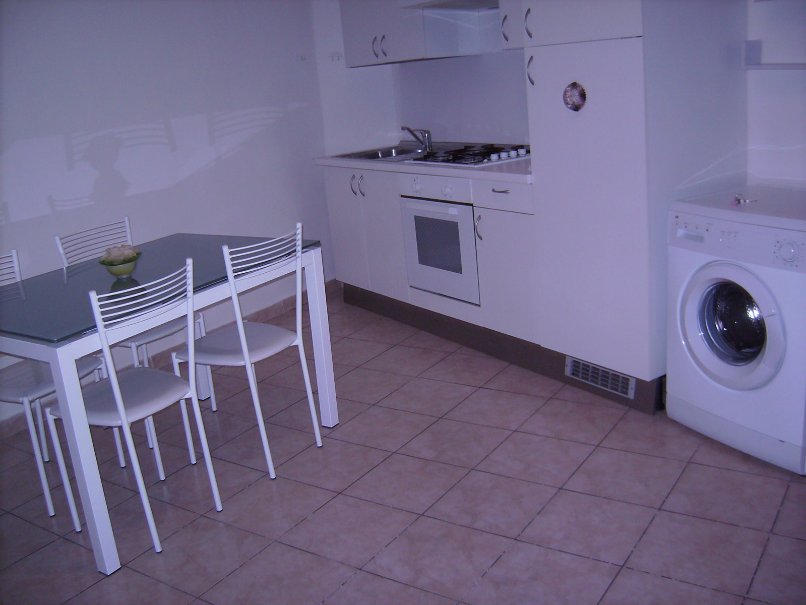 Bilocale arredato studio agor for Studio arredato