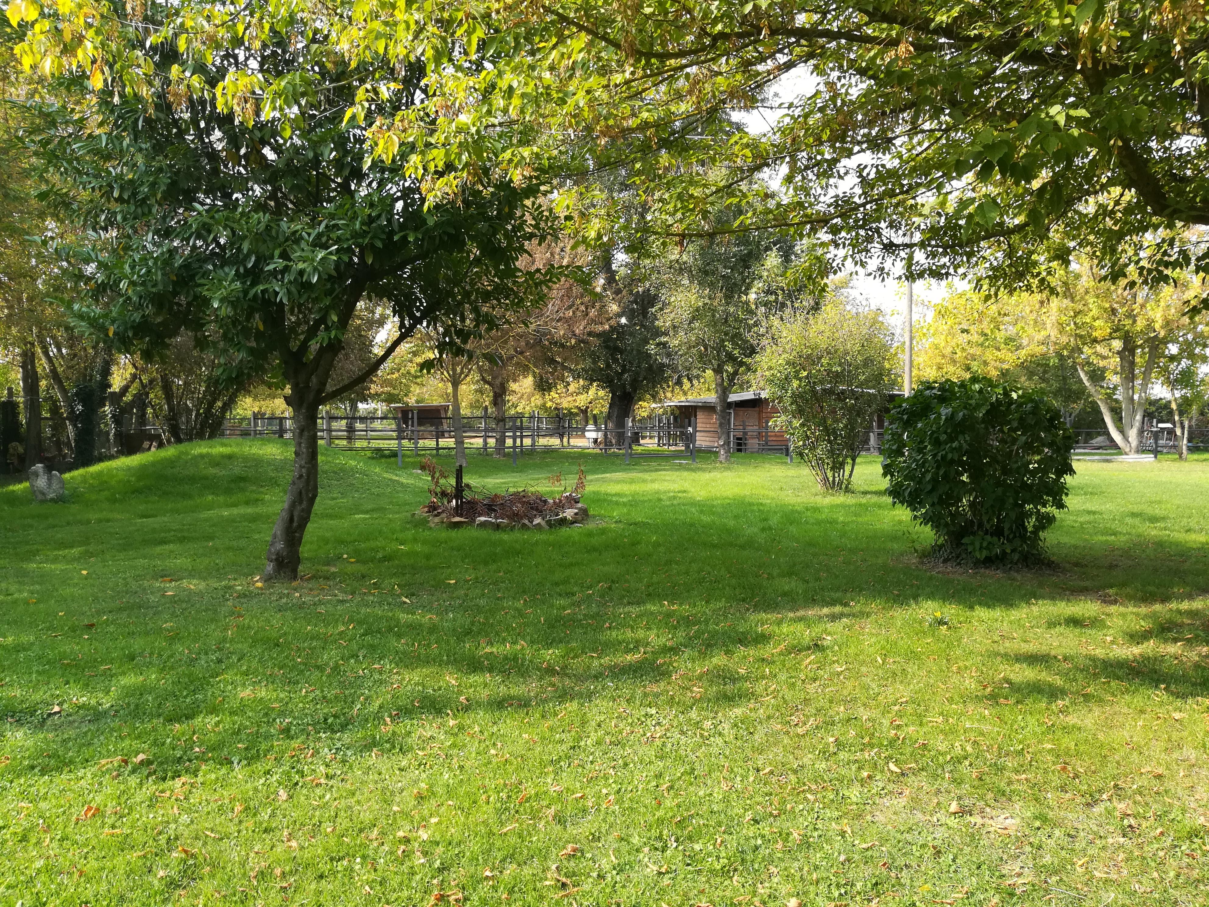 Casa padronale ristrutturata con ampio parco ben curato