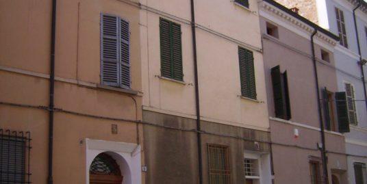 Palazzo con 4 appartamenti
