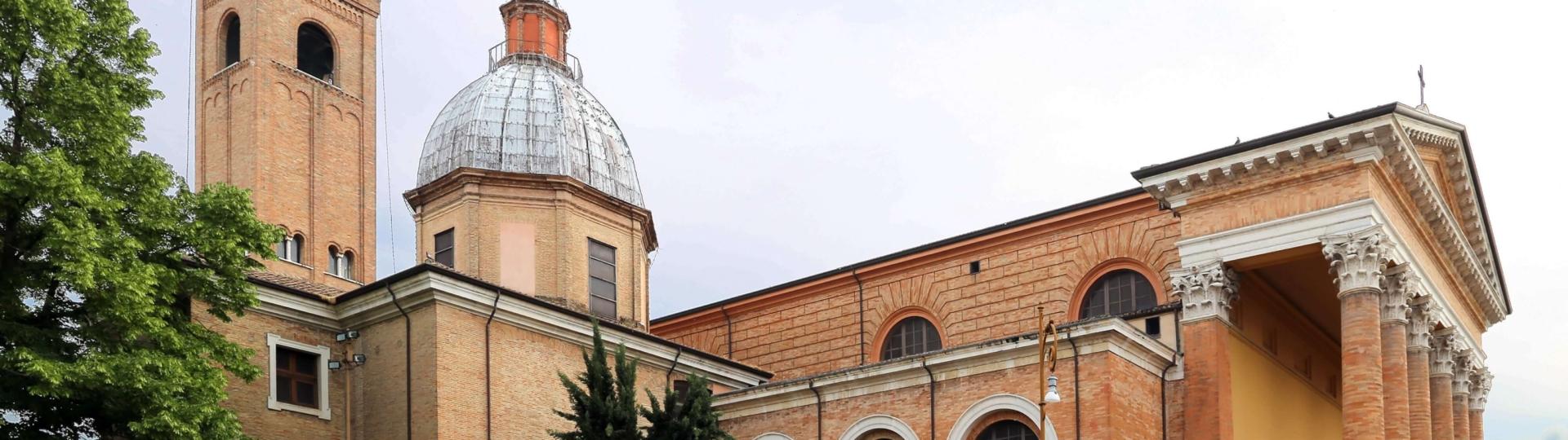 3. Forlì esterno del Duomo